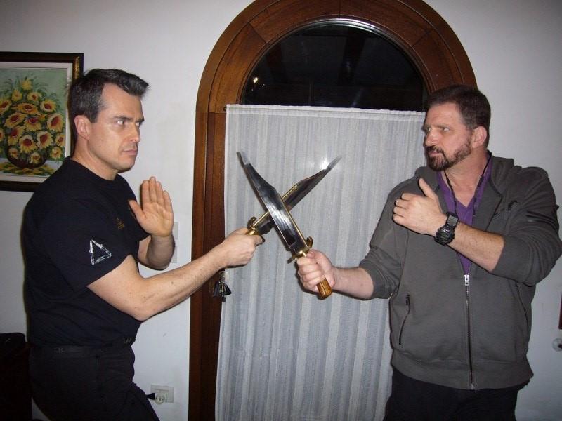 bram-frank-combat-modern-arnis-kali-cssd-sc-knife-fighting-scherma-coltello-11_600x800