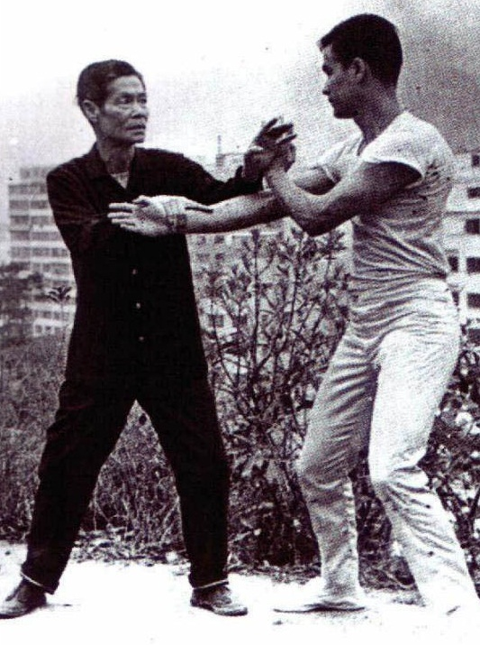 the_age_of_18_bruce_lee_picture_2